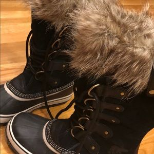 Sorel Shoes - Joan of Arctic faux fur trimmed boots